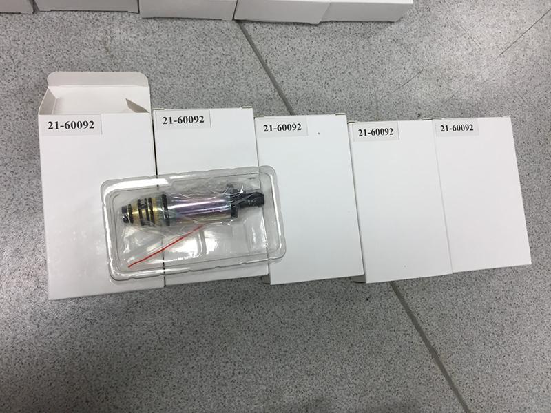 DCS17E Mercedes compressor control valve 1