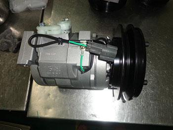 10S15C Komatsu compressor 447200-4052 (1)